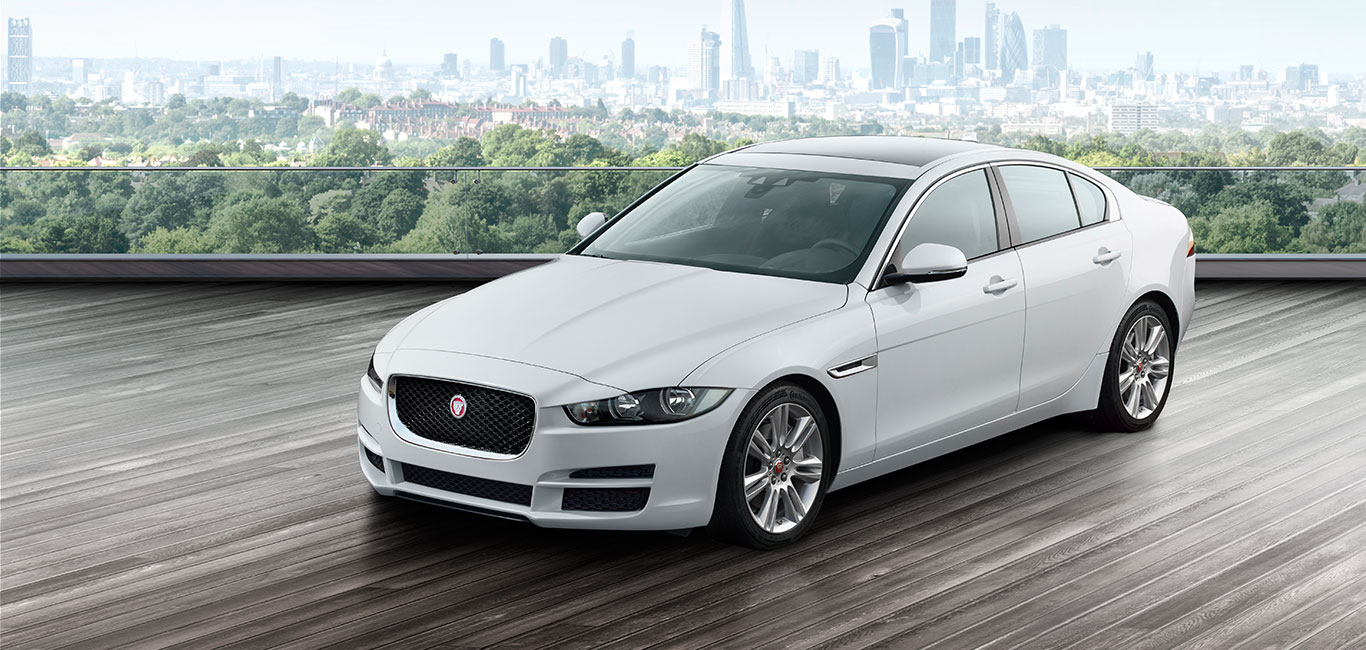 jaguar xe pure berlina deportiva genialmente proporcionada. Black Bedroom Furniture Sets. Home Design Ideas