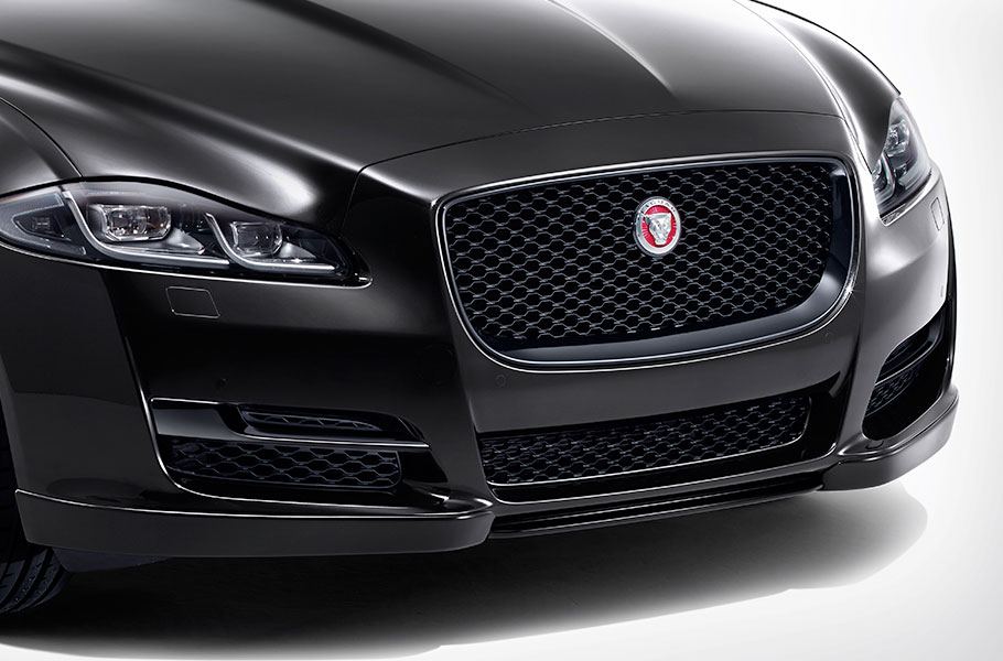 XJ front grille in black