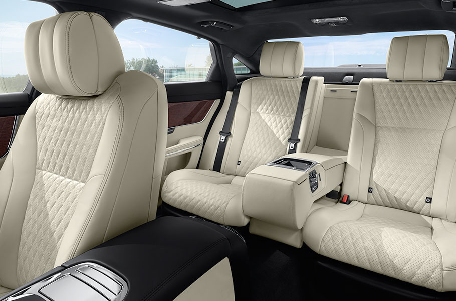 Jaguar XJ Interior Seating in Cream