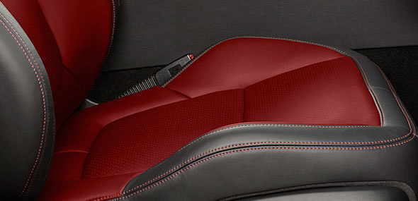 XJ red twin needle stitching seats