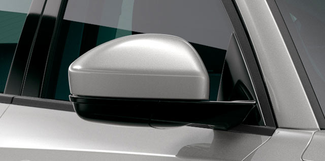 Jaguar E-PACE door mirrors with memory and approach lights