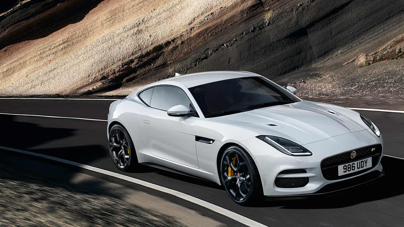 F-TYPE R IN YULONG WHITE MIT SONDERAUSSTATTUNG