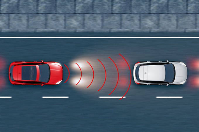 Diagram showing the range at which the Jaguar E-Pace high-speed emergency breaking activates.