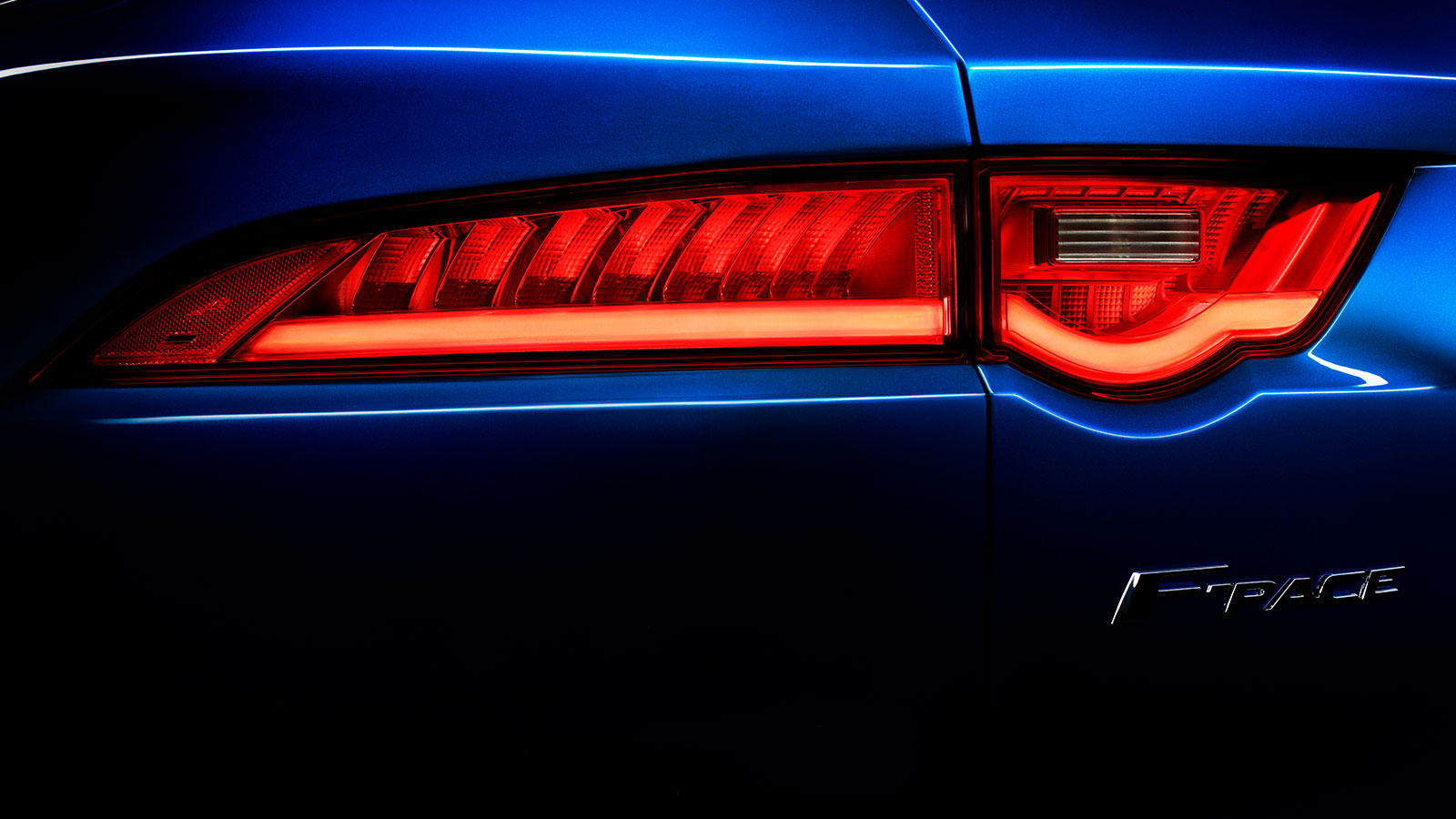 Jaguar F-PACE Blue Exterior Rear Light.