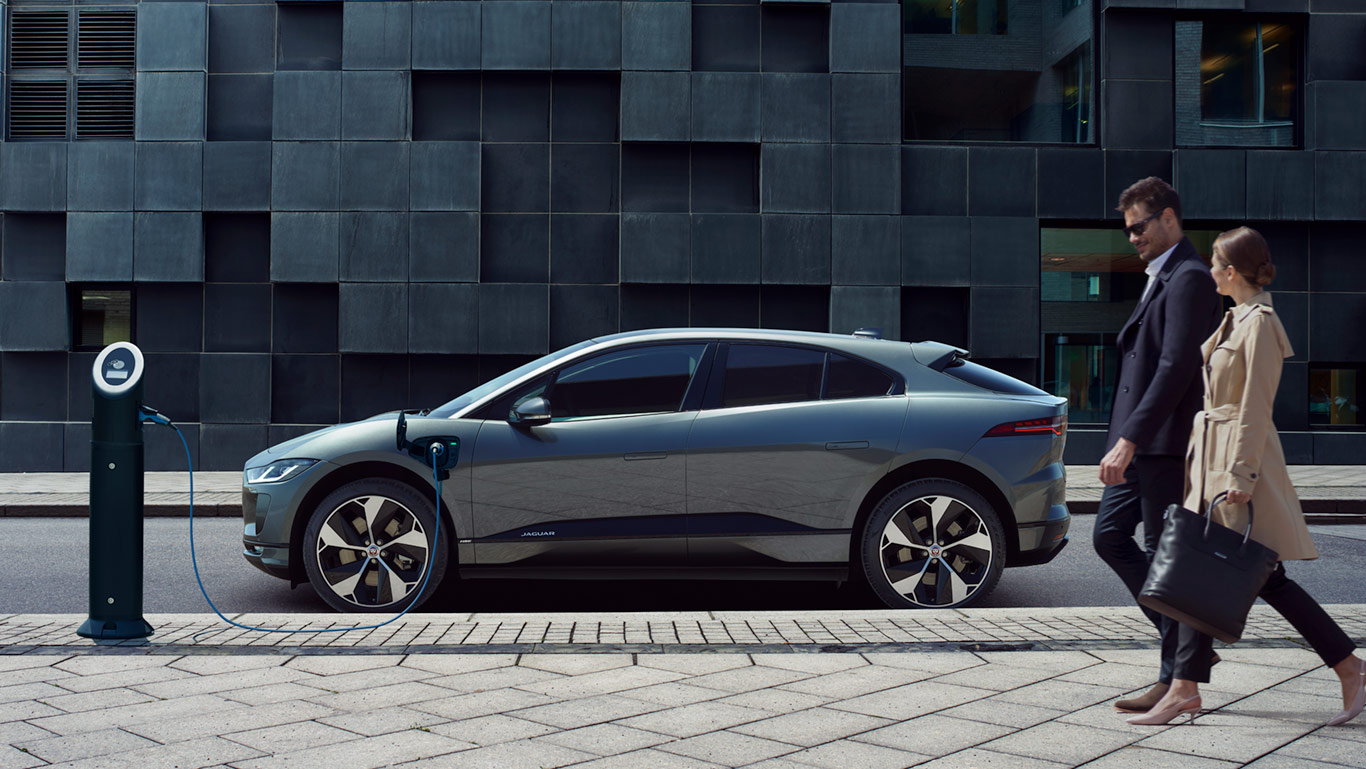A ZERO TAILPIPE EMISSIONS VEHICLE THAT REMAINS UNMISTAKABLY JAGUAR *Global charging solutions shown, local charging equipment may vary.