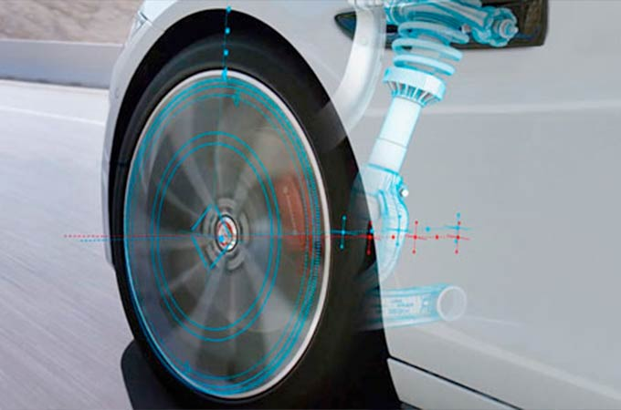 Jaguar XF Adaptive Dynamics Wheel Highlight.