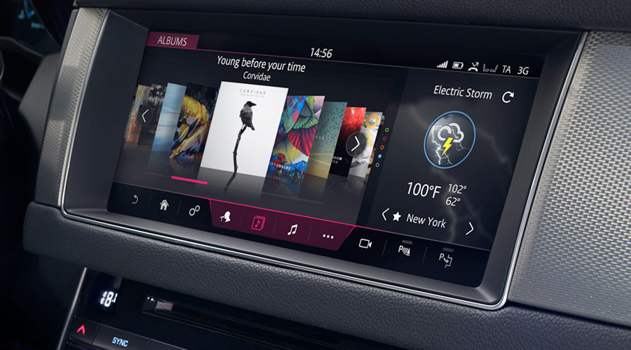 "Jaguar INCONTROL Infotainment Interface on 10"" Touch Display"