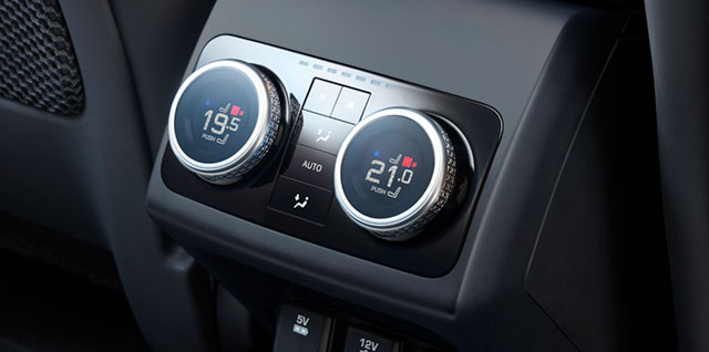 I-Pace Four Zone Climate