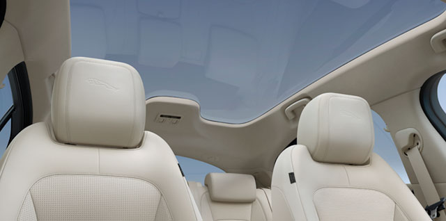 Jaguar I--Pace Panoramic Roof