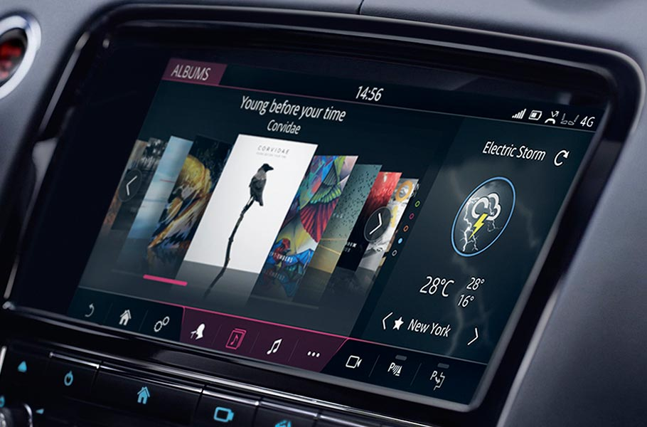 Jaguar XJ touchscreen control
