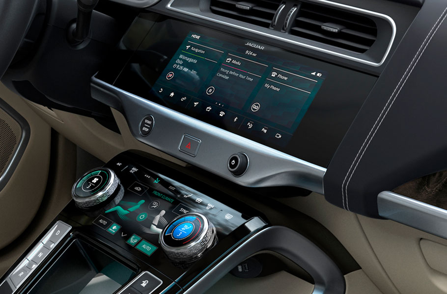 Jaguar I-Pace Always in charge