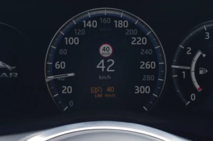 Jaguar XF Speedometer With Traffic Sign Recognition Applying Adaptive Speed Limiter.