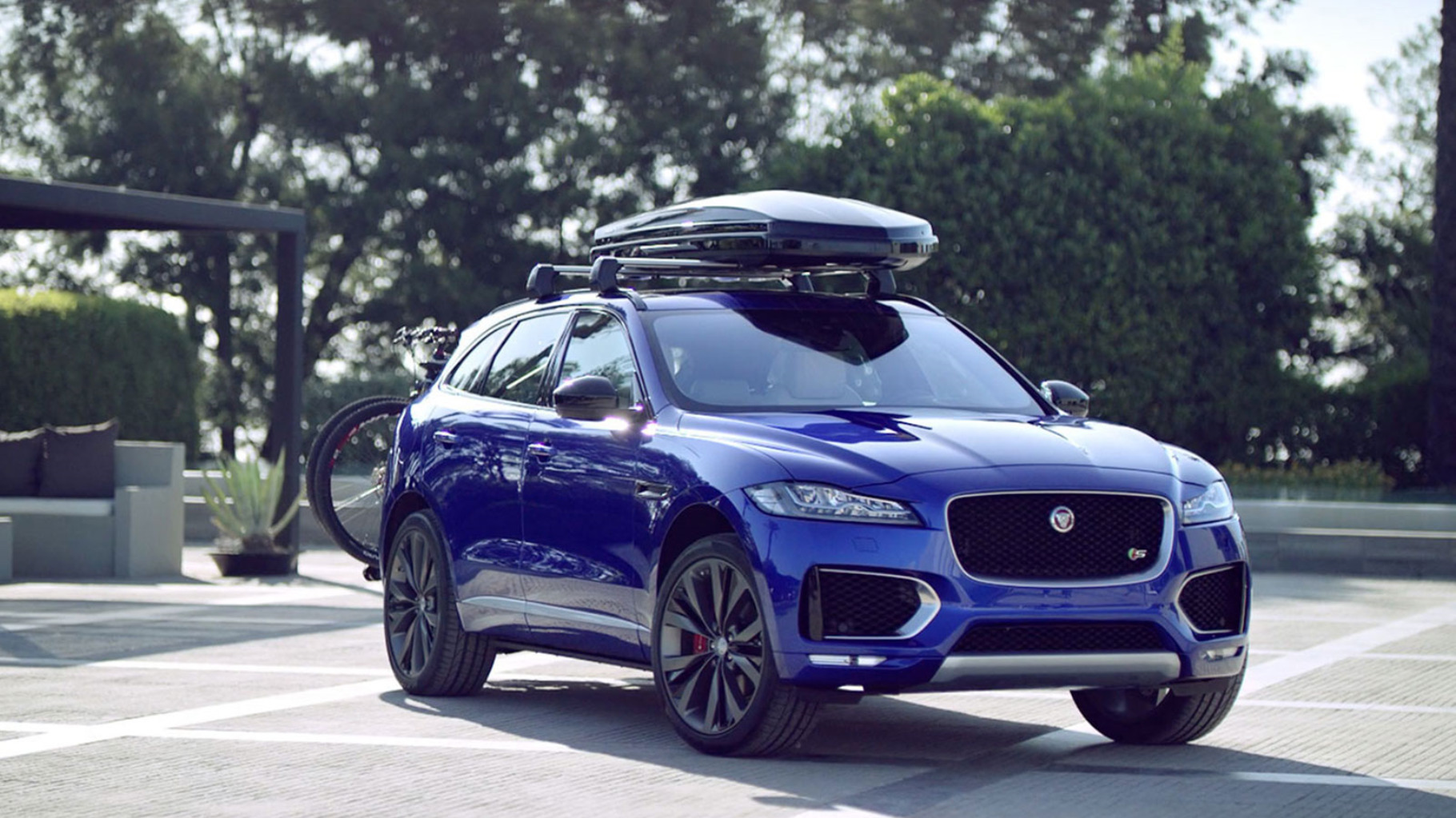 IMG_WRAPPER_F-Pace-Gallery_1600x900