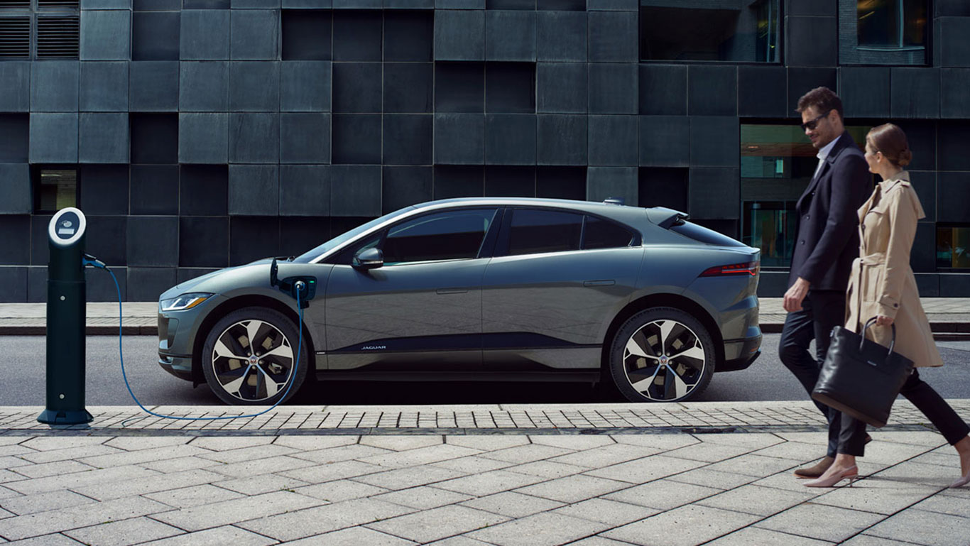 A ZERO TAILPIPE EMISSIONS VEHICLE THAT REMAINS UNMISTAKABLY JAGUAR