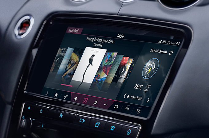 Jaguar XJ Touchscreen.