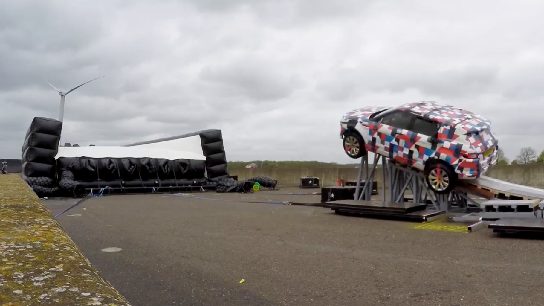Jaguar E-Pace Behind the Scenes - Barrel Roll.