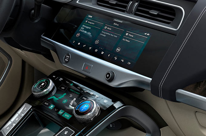 Jaguar I-PACE Screen and Charging Space.