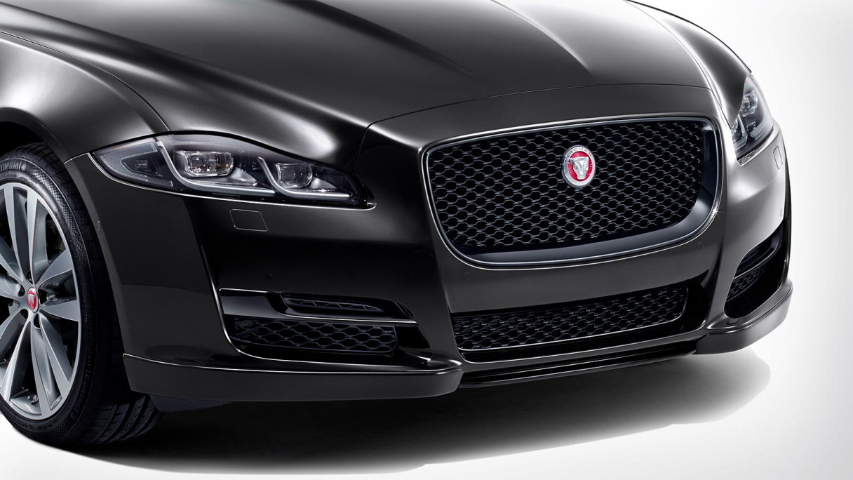 Jaguar XJ Gloss Black Grille.