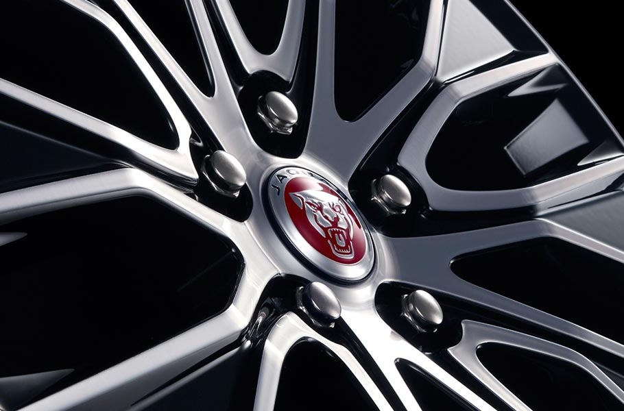 Jaguar 18inch 10 split-spoke 'Style 1049' alloy wheels exclusive to XE Landmark Edition