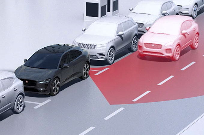 Jaguar I-Pace Clear Exit Detecting Oncoming Vehicles.