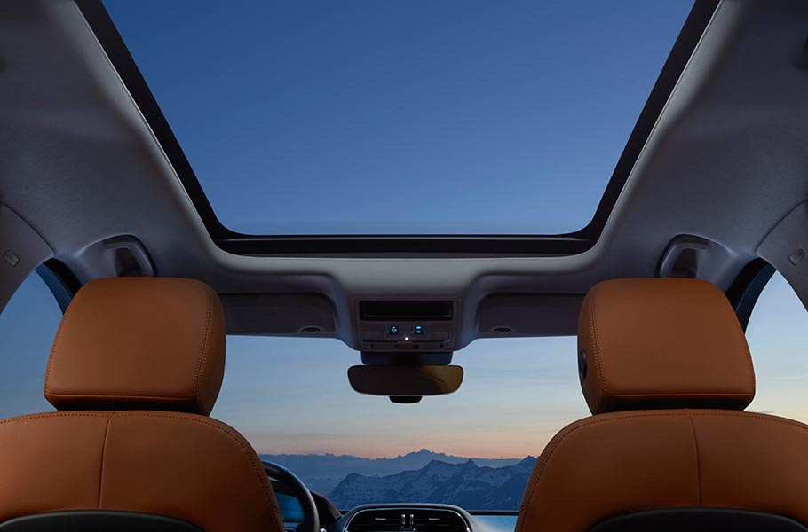 Jaguar F-PACE Panoramic Roof