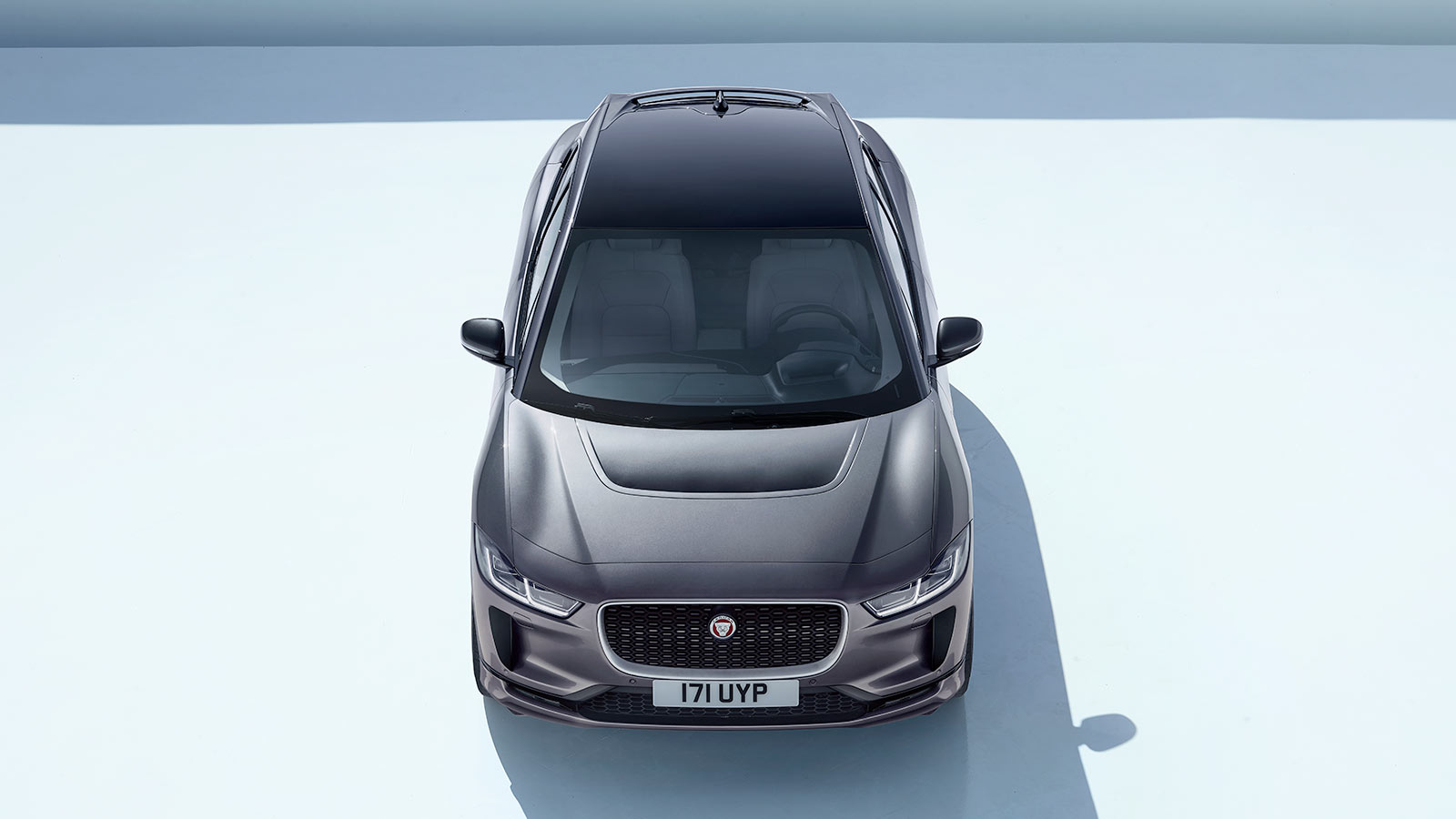 Jaguar I-Pace Top.