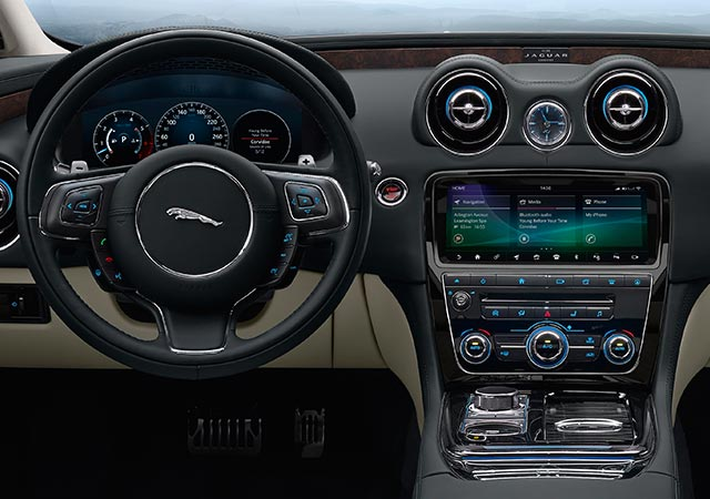 Jaguar XJ In Car Technology