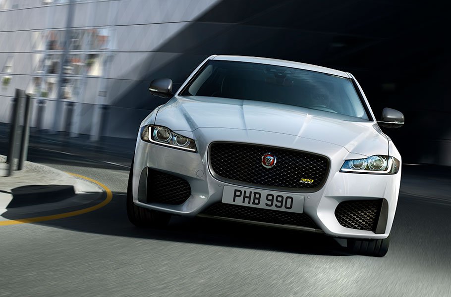 Jaguar XF 300 sport - A quiet confidence and a distinctive look that commands attention.