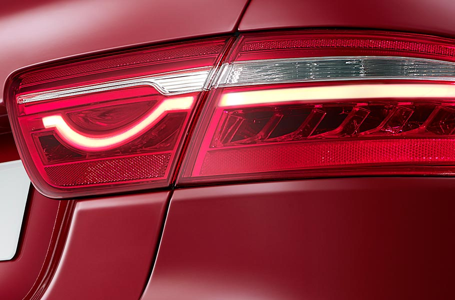 Jaguar XE Iconic Tail light
