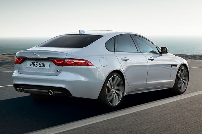 Jaguar XF Driving On Road - Advanced Aerodynamics