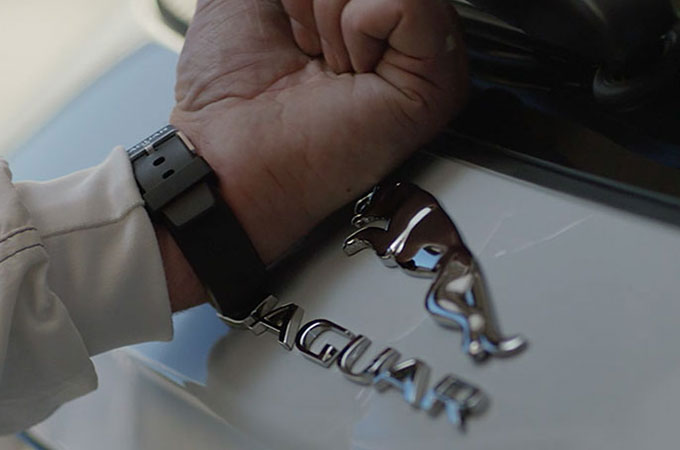 Jaguar XF Activity Key In-Use.