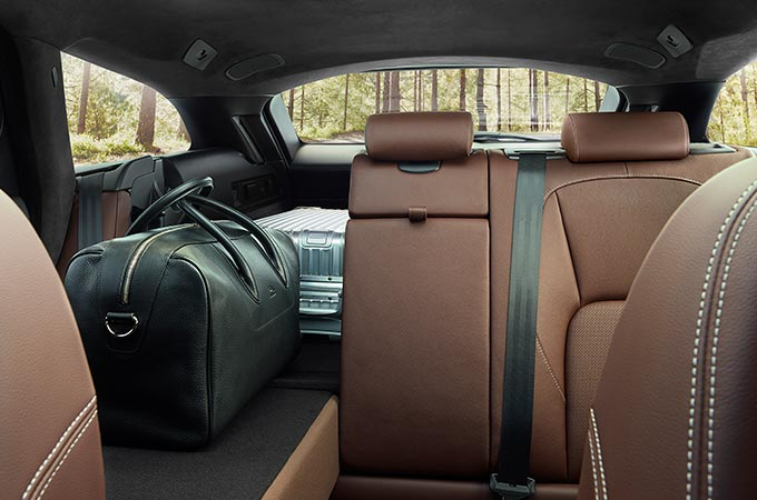 Jaguar XF Loadspace.