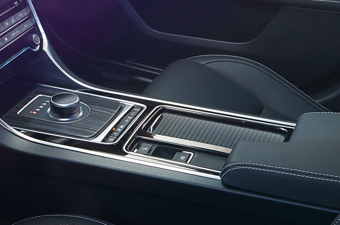 Jaguar XF Interior CRAFTED TO PERFECTION.