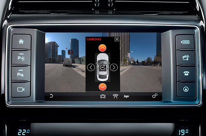 Jaguar XE Surround Camera System on Screen