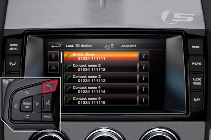 Jaguar F-Type Steering Wheel Technology Controls