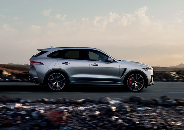 F-PACE Supercharged V8 Engine
