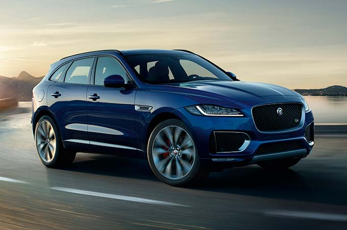 Jaguar F-PACE in Caesium Blue