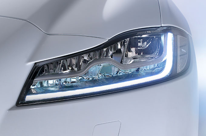Jaguar XF - Signature J Blade LED Lights