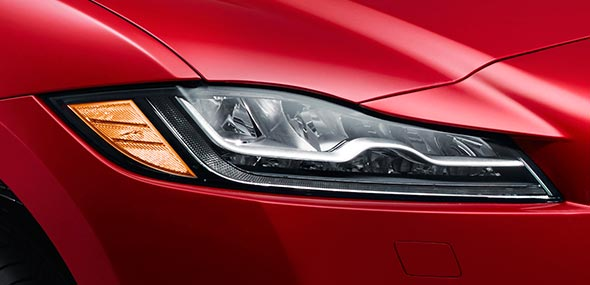 Jaguar F-PACE Right Xenon Headlight - Red Exterior