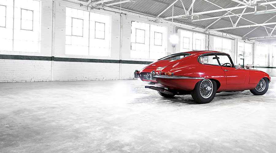 Jaguar E-TYPE Coupe in red.