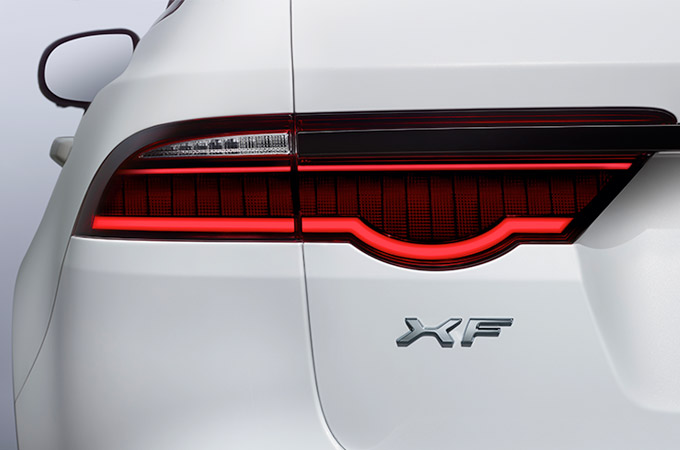 Jaguar XF - Striking Light LED Tail Light