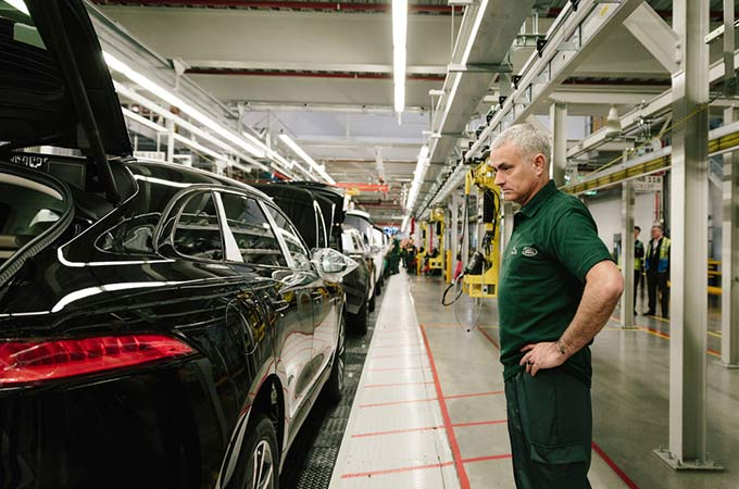 Jose Mourinho in Jaguar factory