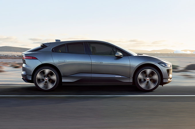 i-pace_behind_design_article_02_680x450_jpg