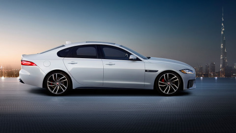 XF S in Polaris White with Black Pack and optional 20 inch wheels.