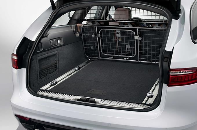 luggage partition full height.