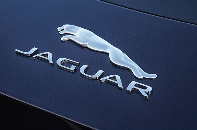 Jaguar logo on F-TYPE.