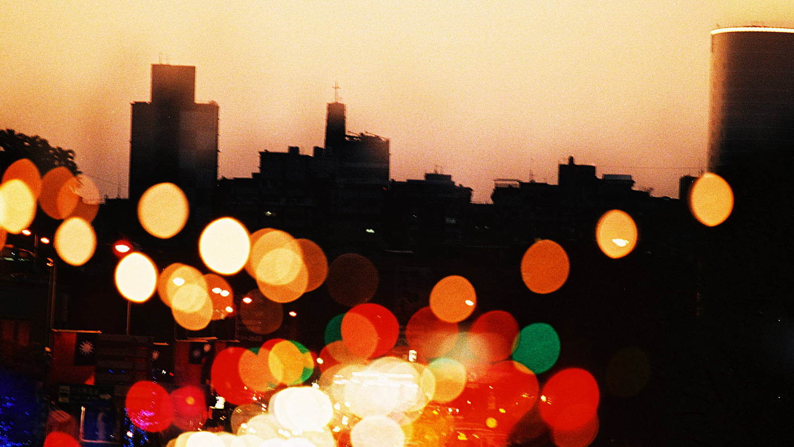 Blurred, bustling city driving