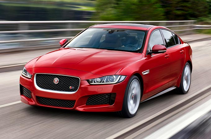 Front view of XE S Dynamic.