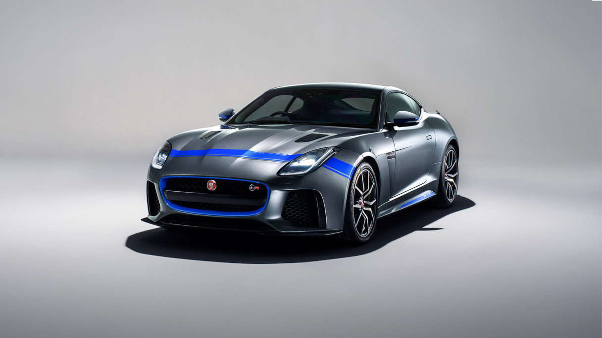 IMG_WRAPPER_id19MY_F-TYPE_SVR_Graphic_Pack_front_three_quarter_2-Desktop_jpg